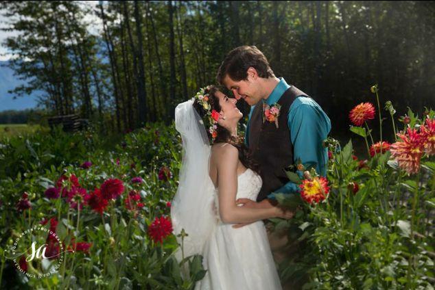 Bride n Groom in Dahlia Garden